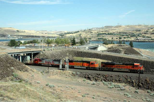 Westbound along the Columbia River at The Dalles Dam, Dallesport, Washington